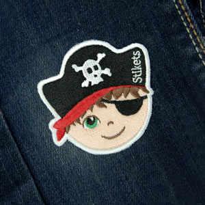 Parche bordado de pirata niño